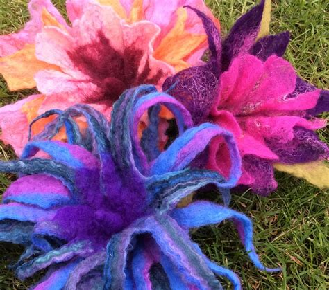 wet felted flowers lincs  stitches