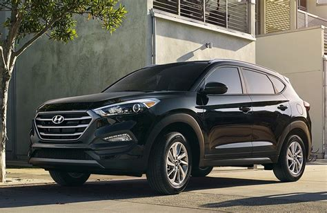 V6 Suv With Best Gas Mileage by 2016 Hyundai Tucson Vs 2016 Chevy Equinox