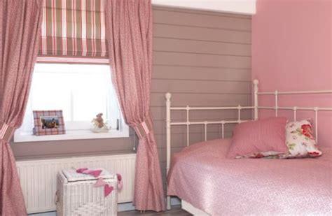 chambre bébé sous pente deco chambre fille sous pente