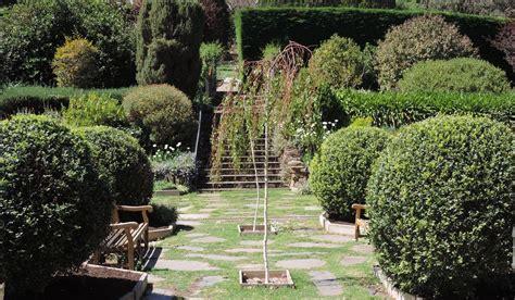 Formal Garden : Formal Gardens