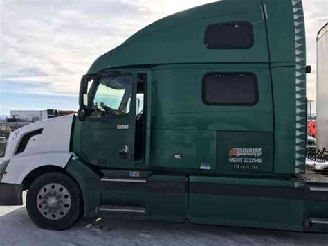 2004 volvo truck volvo trucks deals offers 2004