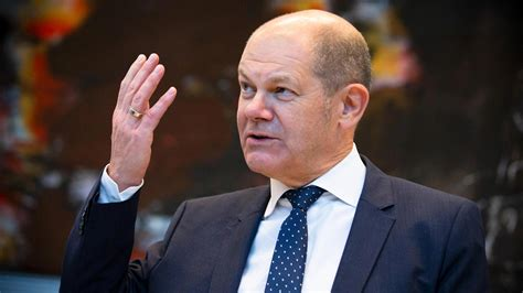 """There is no doubting his experience — and he is known for his ability to handle a crisis. Olaf Scholz: Hoffnung auf """"starkes Votum"""" für die SPD"""