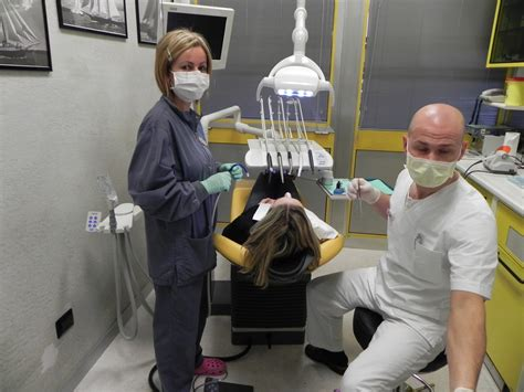 cercasi assistente alla poltrona chi siamo studio dentistico dott christian lugato
