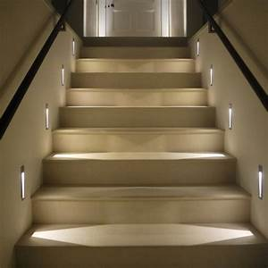 Indirekte Beleuchtung Treppe : beleuchtung treppenhaus l sst die treppe unglaublich sch n erscheinen ~ Pilothousefishingboats.com Haus und Dekorationen