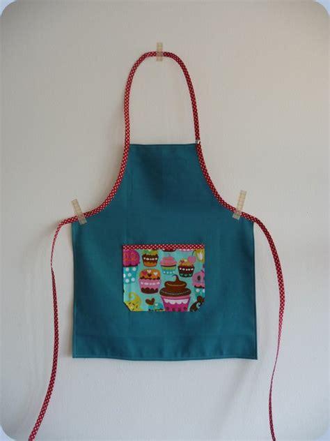 tablier de cuisine pour fille modele couture tablier