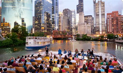 Chicago Boat Tours In November 30 things you should do in chicago before you die