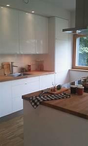 Küche Sideboard Mit Arbeitsplatte : k che wei hochglanz mit holz arbeitsplatte k chen pinterest kitchens ~ Sanjose-hotels-ca.com Haus und Dekorationen