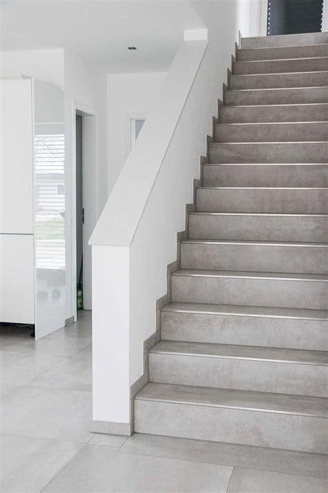 Treppen aus Fliesen - Johannes Schäfer | Fliesenleger aus