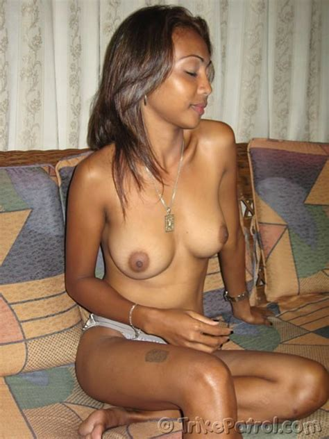dark and hot filipina with nice boobs gets ready for sex