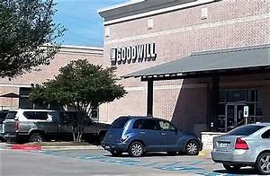 Goodwill 25 reviews vintage second hand 1700 w for Lamplight village austin