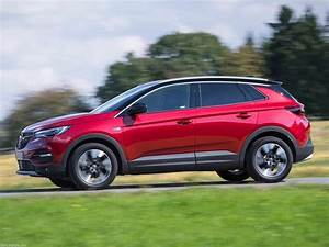 Opel Grand Land X : opel expands its south african gravel travel offering with grandland x ~ Medecine-chirurgie-esthetiques.com Avis de Voitures