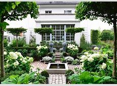 claus green and white garden laurel home