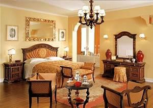 camera da letto classica: mobili, letti, armadi, complementi