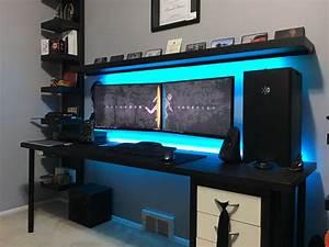 Gaming Schreibtisch Selber Bauen : die besten 25 gaming schreibtisch ideen auf pinterest gaming schreibtisch ikea gaming ~ Markanthonyermac.com Haus und Dekorationen