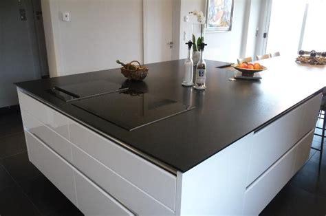 plan de la cuisine cuisine quartz noir