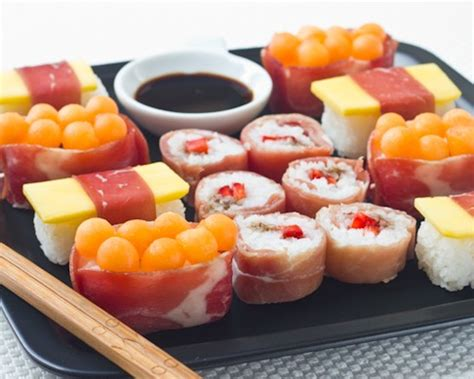 cuisine sucré salé sushis sucrés salés à la charcuterie aoste et fruits d été