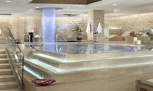 Black freestanding bath, caesars palace las vegas spa
