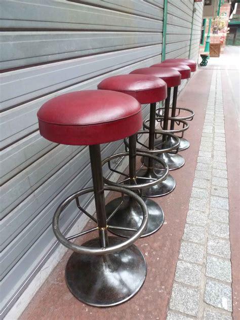 tabouret de bar métal et cuir madebymed fauteuil