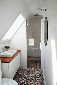 Aménager Salle De Bain : 14 astuces gain de place pour une petite salle de bains fonctionnelle ~ Melissatoandfro.com Idées de Décoration