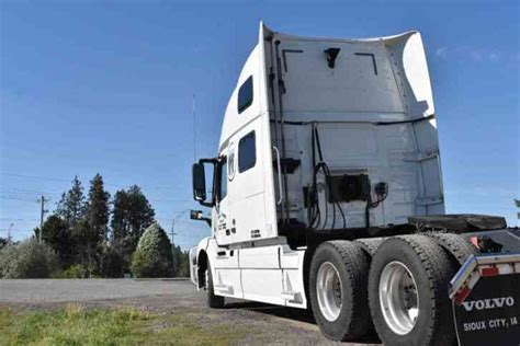 2016 volvo semi truck for sale volvo vnl 780 2016 sleeper semi trucks