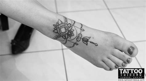 bracelet cheville tatouage femme