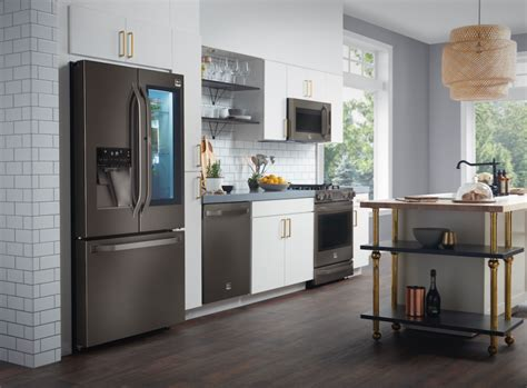 black stainless steel appliances    big trend  kitchens builder magazine