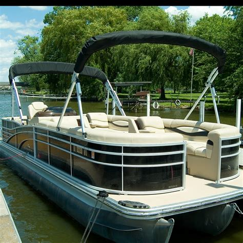 Boat To Rent Near Me by Chian Of Lakes Boat Rental And Tours Coupons Near Me In
