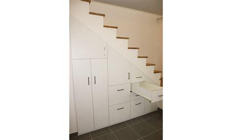 armoire sous escalier rangement sous escalier with