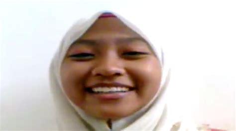 Bokep Indo Jilbab Pesantren Mesum Sama Pacarnya Bokepin
