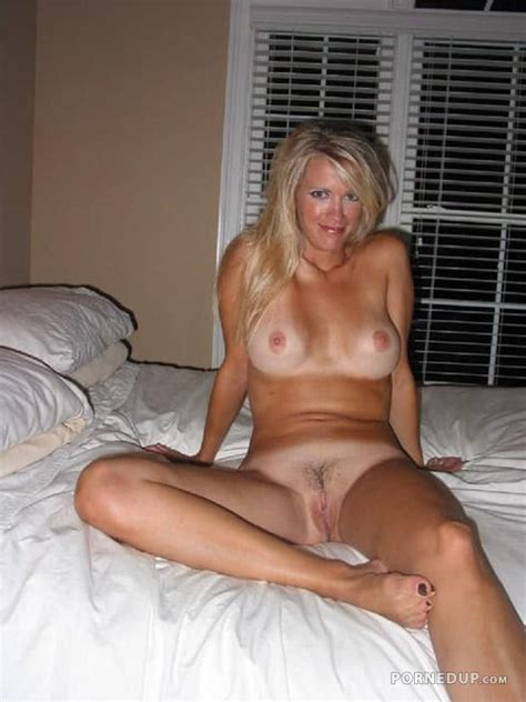 naked milf tanlines porned up