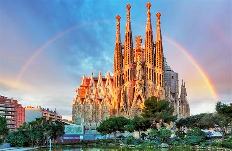 A Guide to Gaudí Architecture in Barcelona - EUROPE ...