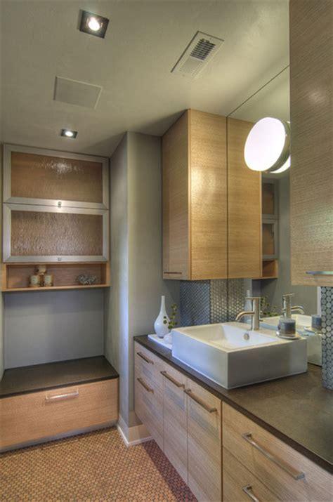 Cork Penny Round Floor Tiles   Modern   Bathroom   Hawaii