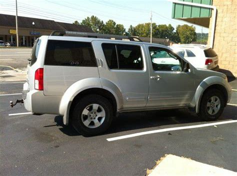 find used 2005 nissan pathfinder xe sport utility 4 door 4 0l no reserve in huntington west