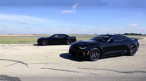 Hellcat Vs Corvette
