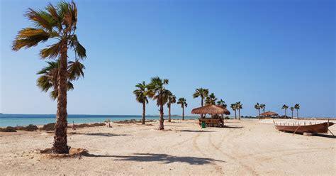 beach  abu dhabi   beaches  abu dhabi city