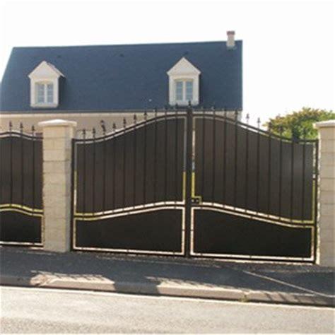 portail portail aluminium bois fer pvc battant coulissant leroy merlin