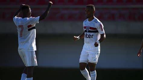 São Paulo domina e vence o Botafogo pelo Brasileirão sub ...