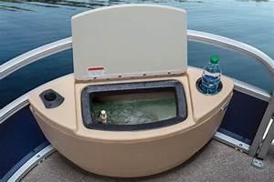 Sun Tracker Fishin Barge 22  Pontoon On The Prowl