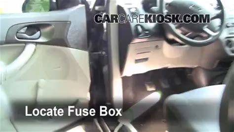 Ford Fusion 2010 Fuse Box Acces by Interior Fuse Box Location 2005 2007 Ford Focus 2007