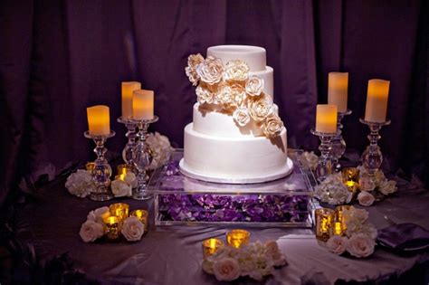 modern purple gold hollywood themed wedding