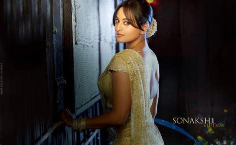 Dabang Actress Sonakshi Sinha Wallpapers ~ Sexy Girls And