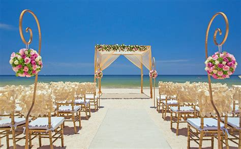 beach destination wedding  cancun mexico  royalton
