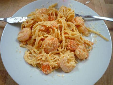 cuisiner les crevettes linguine crevettes mascarpone et carottes la cuisine sans polyamines