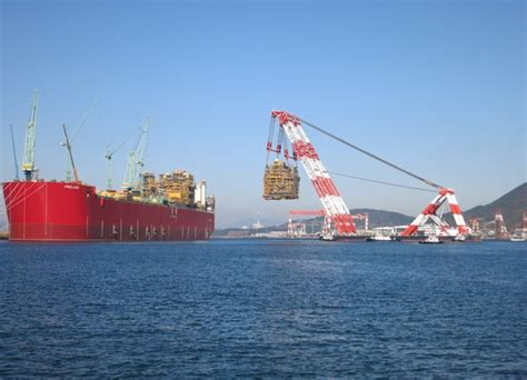 Biggest Boat Lift In The World by The Largest Vessel The World Has Ever Seen Bbc News