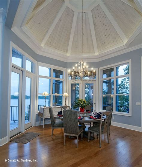 spectacular octagonal tray ceiling crowns  dining