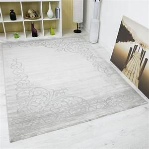 bordure teppich in grau silber kunstvolle optik mit hoch With balkon teppich mit tapete silber grau