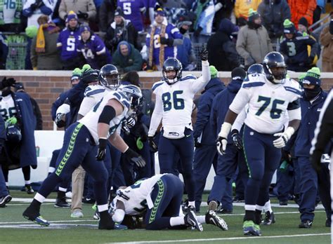 seahawks vikings  watched early sunday wild card game