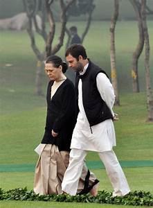 Gandhi Interiors : india 39 s political dynasty flounders 30 years after indira ~ Pilothousefishingboats.com Haus und Dekorationen
