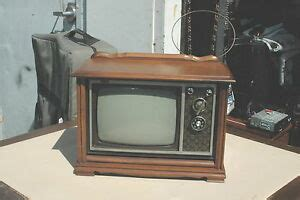 rca vintage mcm tv set works 9 quot mini wood console black