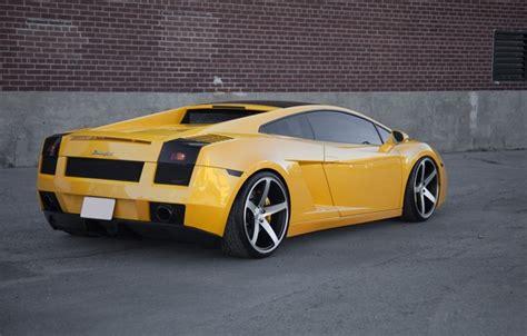 wallpaper yellow gallardo lamborghini rear view yellow